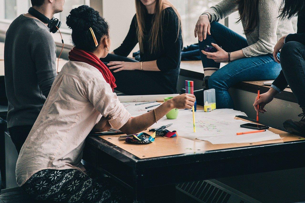 App x site: qual o melhor para instituições de ensino?