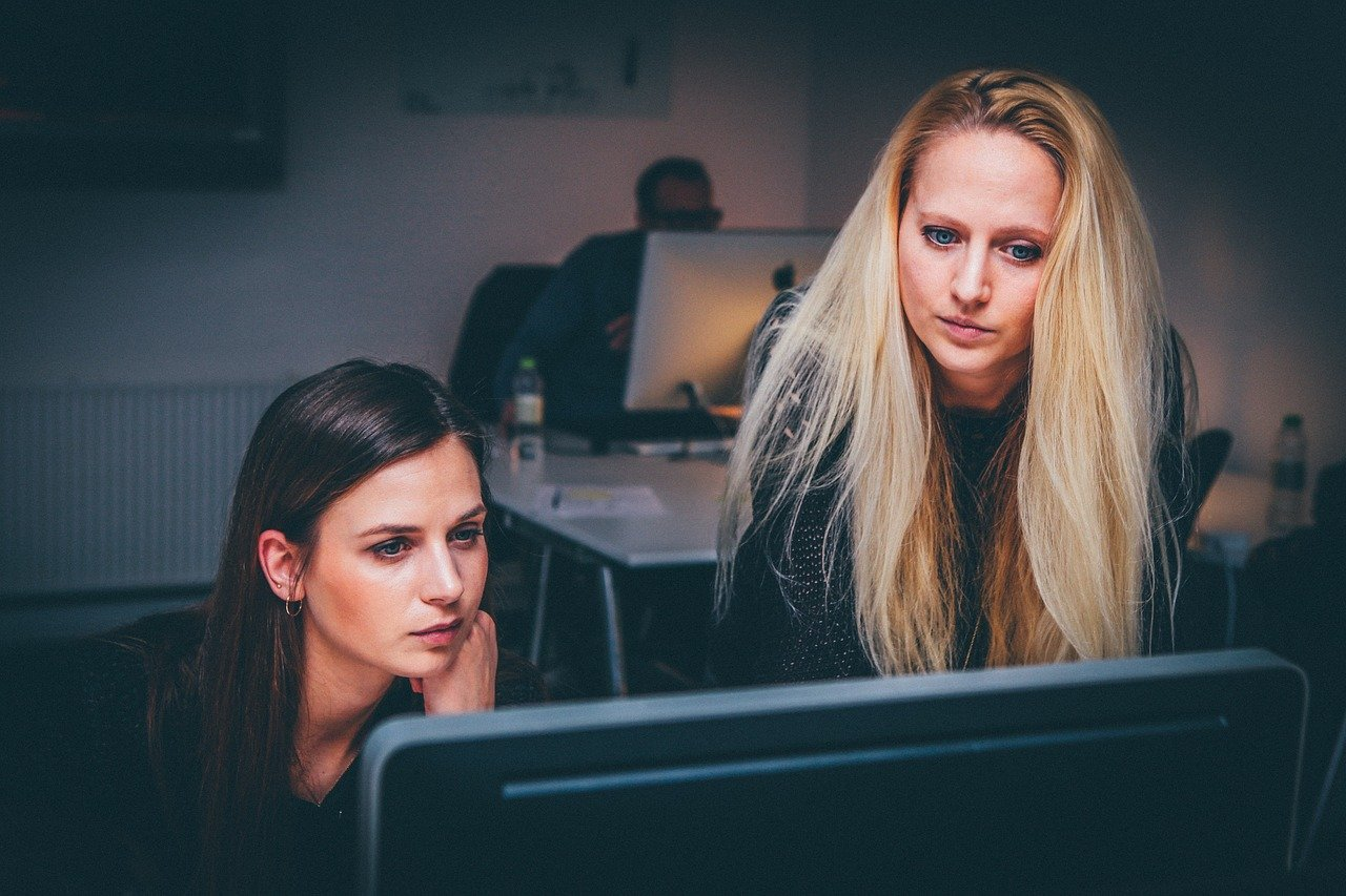 Presença de mulheres em TI cresceu 24% nos últimos 5 anos